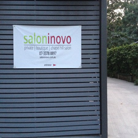 Salon Inovo street entry